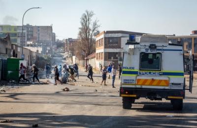 Six alleged instigators of S.African unrest arrested | Six alleged instigators of S.African unrest arrested