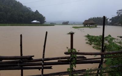 Floods hit 1.79 lakh people in Assam, one dies | Floods hit 1.79 lakh people in Assam, one dies