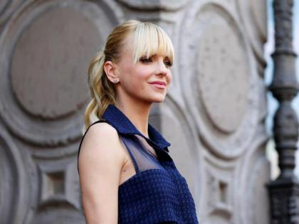 Anna Faris reveals she secretly married Michael Barrett at local courthouse | Anna Faris reveals she secretly married Michael Barrett at local courthouse