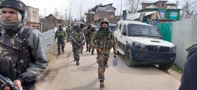 Security forces seize arms, ammo from militant hideout in J&K | Security forces seize arms, ammo from militant hideout in J&K