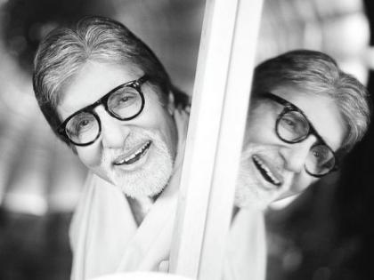 Amitabh Bachchan treats fans with new post-pack up monochromatic shot | Amitabh Bachchan treats fans with new post-pack up monochromatic shot
