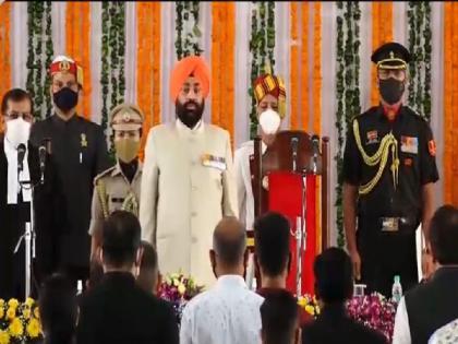 Lt Gen (retd) Gurmit Singh sworn-in as new Governor of Uttarakhand | Lt Gen (retd) Gurmit Singh sworn-in as new Governor of Uttarakhand