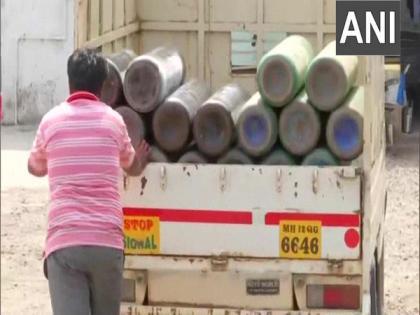 COVID-19: Delhi's Ganga Ram, LNJP hospitals receive Oxygen | COVID-19: Delhi's Ganga Ram, LNJP hospitals receive Oxygen