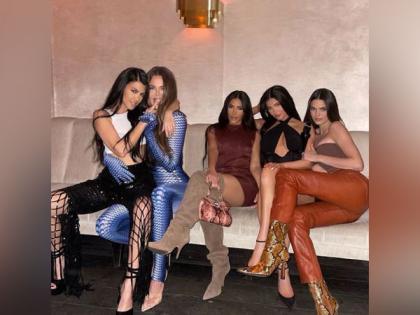Khloe Kardashian marks return of 'sister gang' with stunning picture | Khloe Kardashian marks return of 'sister gang' with stunning picture