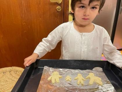 Kareena Kapoor shares adorable picture of Taimur showing off his baking skills | Kareena Kapoor shares adorable picture of Taimur showing off his baking skills