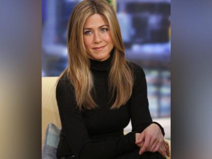 Jennifer Aniston unveils her hair care brand LolaVie   Jennifer Aniston unveils her hair care brand LolaVie