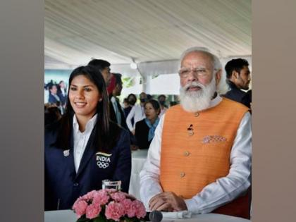 Sword of first Indian woman fencer to qualify for Olympics Bhavani Devi now in e-auction of gifts received by PM   Sword of first Indian woman fencer to qualify for Olympics Bhavani Devi now in e-auction of gifts received by PM