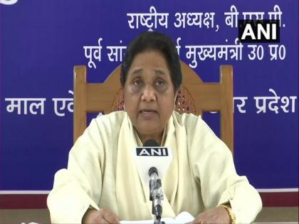 Mayawati takes jibe at Bhagwat's DNA remark, says huge difference between RSS' words, deeds | Mayawati takes jibe at Bhagwat's DNA remark, says huge difference between RSS' words, deeds