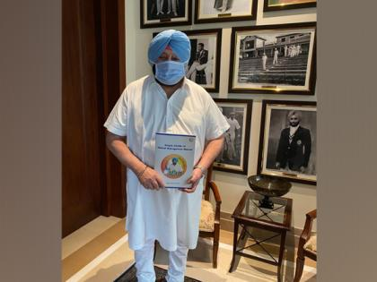 Punjab CM releases COVID-19 manual for healthcare workers   Punjab CM releases COVID-19 manual for healthcare workers