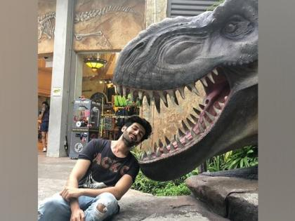 With hilarious throwback picture, Kartik Aaryan urges people to wear masks   With hilarious throwback picture, Kartik Aaryan urges people to wear masks