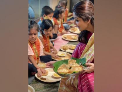 Shilpa Shetty performs Kanjak Puja on Durga Ashtami | Shilpa Shetty performs Kanjak Puja on Durga Ashtami