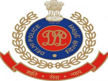 Delhi Police busts illegal call centre, 5 arrested   Delhi Police busts illegal call centre, 5 arrested