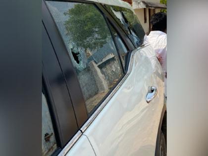 TN polls: AIADMK MP Ravindranath's car attacked in Bodinayakanur | TN polls: AIADMK MP Ravindranath's car attacked in Bodinayakanur