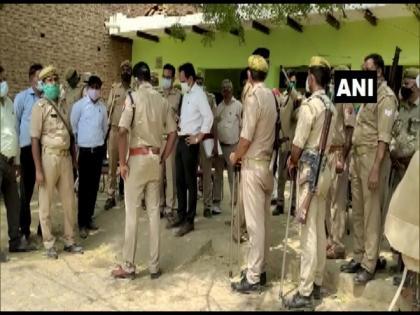 UP Panchayat elections: Miscreants loot ballot boxes in Agra | UP Panchayat elections: Miscreants loot ballot boxes in Agra