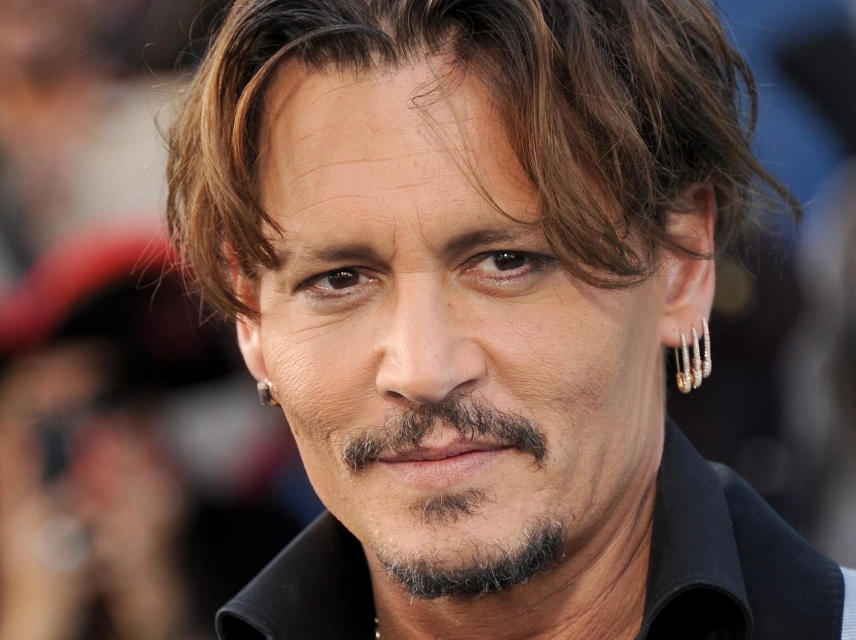 Johnny Depp makes his debut on Instagram urges fans to get ...