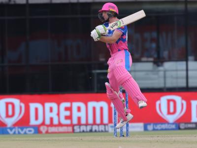 Jos Buttler's slams his first ever IPL century, Hyderabad to chase 221 sans Warner