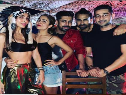 Malaika Arora's party pictures in Goa goes viral ahead of New Year's eve   Malaika Arora's party pictures in Goa goes viral ahead of New Year's eve