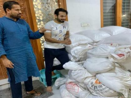 Pathan brothers provide free meals to covid affected people in South Delhi | Pathan brothers provide free meals to covid affected people in South Delhi