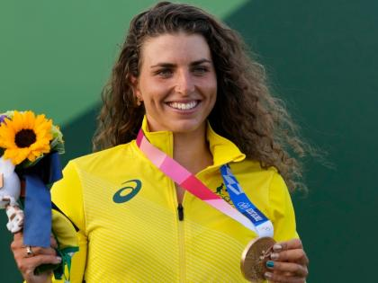 Australia's Jessica Fox uses condom to fix her kayak, ends up winning gold medal | Australia's Jessica Fox uses condom to fix her kayak, ends up winning gold medal
