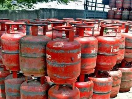 LPG Cylinder Price: Cost of LPG cylinder falls sharply, Check out rates | LPG Cylinder Price: Cost of LPG cylinder falls sharply, Check out rates