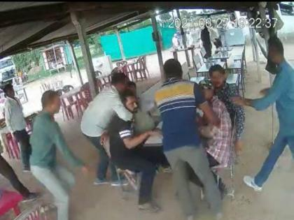Viral Video: Police dressed in plain clothes nab criminal from dhaba in Bharuch   Viral Video: Police dressed in plain clothes nab criminal from dhaba in Bharuch