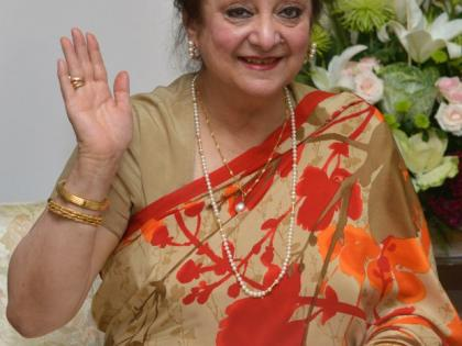 Late Dilip Kumar's wife Saira Banu in ICU after minor heart attack | Late Dilip Kumar's wife Saira Banu in ICU after minor heart attack