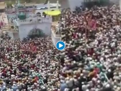 Watch Video! People violate COVID-19 protocols during funeral procession of religious leader in Badaun, FIR lodged | Watch Video! People violate COVID-19 protocols during funeral procession of religious leader in Badaun, FIR lodged