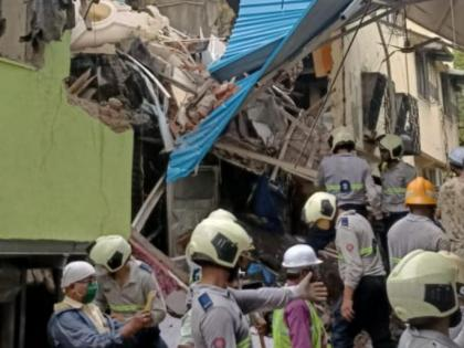 Mumbai rains: 3 dead, seven injured after building collapses in Govandi area   Mumbai rains: 3 dead, seven injured after building collapses in Govandi area