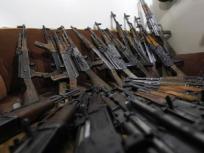 बिहारः AK-47 की तस्करी मामले में पुलिस के जवान को हिरासत में लिया, हथियार खरीदने का आरोप