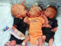 प्रग्नेंसी का नहीं था पता, पथरी के इलाज के लिए अस्पताल गई तो एक साथ तीन बच्चों को दिया जन्म