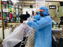 महाराष्ट्रः तीन महीने बाद मुंबई में खुले हेयर सैलून, वित्तीय संकट के चलते 12 नाई कर चुके आत्महत्या