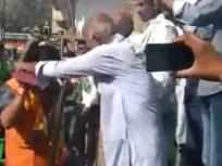 Fact Check: बिहार चुनाव में वोट मांगने गए BJP उम्मीदवार को लोगों ने पहनाया जूतों की माला? जानें वायरल वीडियो की सच्चाई