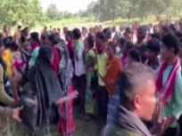 छत्तीसगढ़: दंतेवाड़ा में नया पुलिस कैम्प स्थापित करने के खिलाफ हथियारबंद आदिवासियों का प्रदर्शन