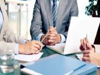 लॉकडाउन के कारण सेवा क्षेत्र गतिविधियों में मई में गिरावट, कंपनियों में तेजी से घट रही हैं नौकरियां: सर्वे