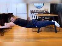 डेविड वॉर्नर जादुई तरीके से हवा में तैरते आए नजर, वायरल हुआ मजेदार Video