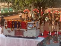 दिल्ली हिंसा: डीसीपी को बचाते हुए गई हेड कांस्टेबल रतन लाल की जान, जानें 24 फरवरी को हुआ क्या था