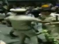दिल्ली: ऑटो वाले की पुलिस के द्वारा पिटाई के बाद गुस्साये लोगों ने थाने में जाकर ACP को पीटा, क्राइम ब्रांच को सौंपा गया केस