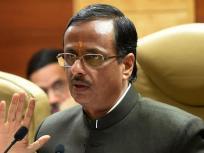 उत्तर प्रदेश: आगरा में कोरोना समीक्षा बैठक के दौरान बिगड़ी डिप्टी सीएम दिनेश शर्मा की तबीयत