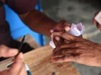 झारखंड में अपने पति के अंतिम संस्कार से पहले मतदान करने पहुंची महिला, कायम की मिसाल