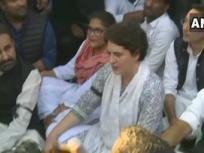 दिल्ली हिंसाःशांति मार्च में प्रियंका गांधी वाड्रा ने कहा,हम गृह मंत्री के घर जा रहे थे, अमित शाह इस्तीफा दें,पुलिस ने हमें रोका