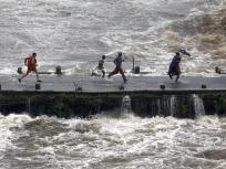 दो पूर्वी राज्यों में बाढ़ का कहर जारी, बिहार-असम में मरने वालों की संख्या बढ़कर 166 हुई