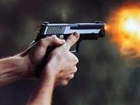 यूपी: हिंदू महासभा के नेता को बदमाशों ने मारी गोली, अस्पताल में भर्ती