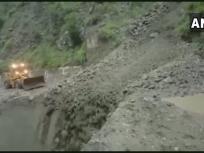 हिमाचल प्रदेश: भारी बरसात और भूस्खलन के चलते नेशनल हाईवे 3 और 5 बंद, कुल्लू-मनाली को जोड़ने वाला मार्ग क्षतिग्रस्त