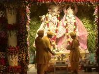 Krishna Janmashtami 2020, Live Darshan: मथुरा में जन्म लेने वाले हैं भगवान कृष्ण, यहां देखिए मंदिर प्रांगण से लाइव प्रसारण