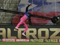 IPL 2020: हवा में उड़ते हुए जोफ्रा आर्चर ने एक हाथ से पकड़ा अद्भुत कैच, सचिन तेंदुलकर भी रह गए हैरान
