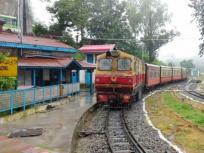 बिना यात्रियों के चल दी ये ट्रेन, तीन लोगों ने कराई थी बुकिंग पर कोई नहीं आया