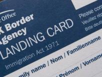 ब्रिटेन जाने वाले भारतीयों के लिए खुशखबरी, नहीं होगी अब लैंडिंग कार्ड की जरूरत