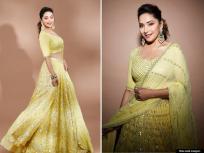 अबब ! तब्बल इतक्या कोटींची मालकीण आहे धकधक गर्ल माधुरी दीक्षित, संपत्तीचा आकडा वाचून व्हाल थक्क - Marathi News | Madhuri dixit see in yellow lehenga looked very glamorous photos goes viral on social media | Latest bollywood Photos at Lokmat.com
