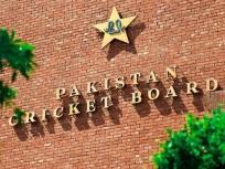 10 क्रिकेटरों के कोरोना पॉजिटिव पाए जाने से दबाव में था पीसीबी, बताया क्यों किया अपनी टीम को इंग्लैंड दौरे पर भेजने का फैसला