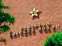 पाकिस्तान में बढ़ रहे कोरोना के मामले, पर पीसीबी मांगेगा इंग्लैंड दौरे की तैयारी के कैंप के लिए सरकार से इजाजत